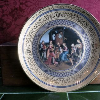 Raphael's Christmas Present Gold Plate of Nativity