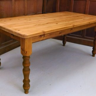Old Farmhouse Style Pine Table with removable legs