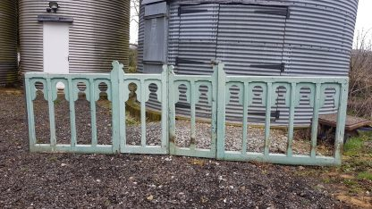 County Church Painted Victorian Pickett Style High Altar Rails with Gate
