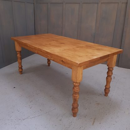Old Pine Kitchen Farmhouse Table
