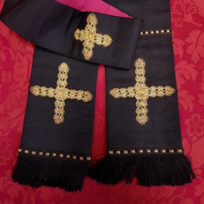 Black SBlack Stole with Gold Crosses and Red Lining