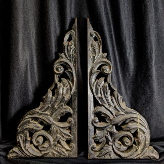 Pair of Old Foliate Carved Oak Brackets Features Corner Elements