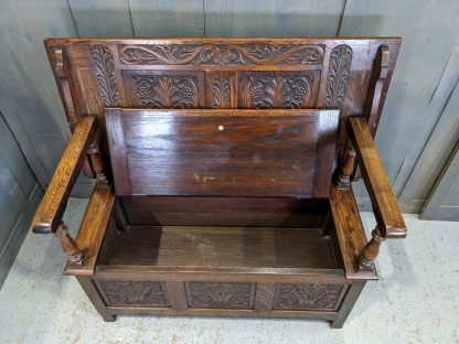 Very High Quality Carved Oak Vintage Monks Bench by Robson & Sons Newcastle