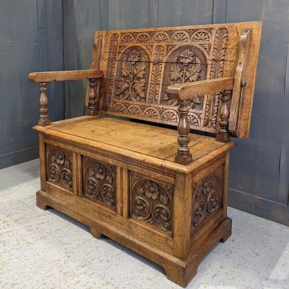 Beautiful Highly Carved Antique Medium Oak Monks Bench with Floral Motifs